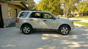 2008 Ford Escape 4x4 certified
