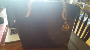 Michael Kors Purse Peterborough Peterborough Area image 1