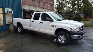 2008 Dodge Power Ram 3500 SLT Pickup Truck North Shore Greater Vancouver Area image 2