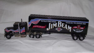 COLLECTIBLE 200TH ANNIVERSARY JIM BEAM TRACTOR TRAILER