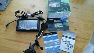 "** Garmin Nuvi 50LM GPS with 5"" screen & Free Lifetime Maps **"