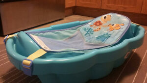 Baby Bath Tub for $20 ( Can be used for newborn to toddler)