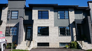 Beautiful New Construction in Pincourt (19189757)