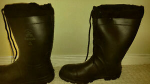 good condition, warm steel toed winter work boots (size 11)