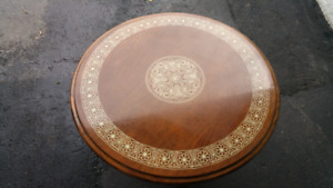 A beautiful round coffee table excellent condition