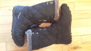 Colombia winter boots - size 6