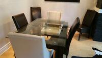Table en verre moderne IMPECCABLE avec 6 chaises