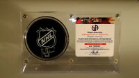 KEN DRYDEN LEGENDARY GOALIE SIGNED NHL LOGO PUCK