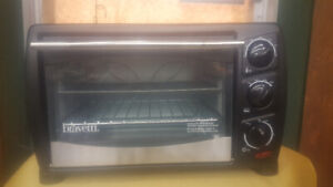 NEW  TOASTER/OVEN & ELECTRIC BARBAQUE