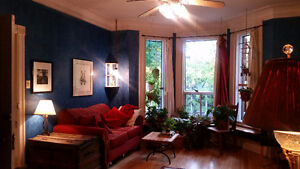 Bright, Beautiful, and Charming – Upper duplex – Heart of NDG