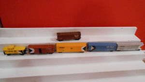 HO model trains, CP trains, locos, passengers, steamers, vintage