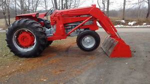 165 Massey Diesel with loader Tractor Belleville Belleville Area image 2