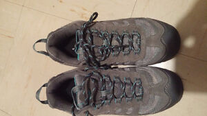 Ladies size 9 HiTec hiking shoes, brand new, never used