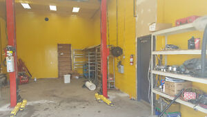 Automotive Service Bay Fully Equip  Rent for $2500/m   919-5566