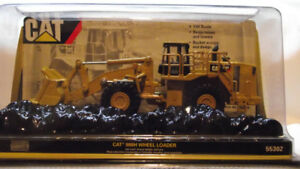 COLLECTIBLE 1/64TH SCALE CAT LOADER