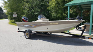 2005 Smokercraft Stinger 161