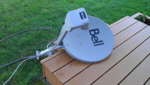 BELL SATELLITE DISH WITH TWIN LNB AND ARM ONLY NO RECEIVER