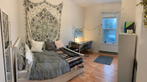 Furnished 2 bedrooms of 3 bedroom apartment for summer sublet