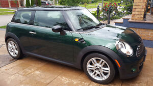 2011 Mini Cooper Classic Coupe (2 door)