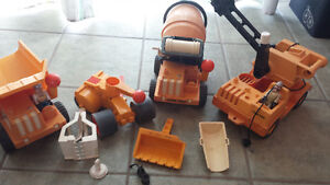 Lot 4 camions 2 figurines Fisher price husky helpers