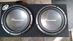 "Loud Subs! Two 12"" in an enclosure Cornwall Ontario image 1"