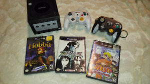 Gamecube bundle w/ controllers and games