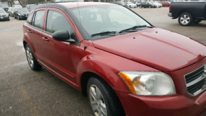 Dodge caliber 2009 very clean 4 cylinder very good with gas...