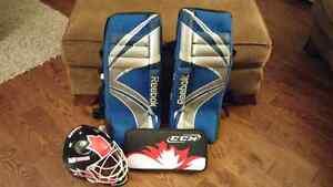 Road hockey pads, helmet & blocker