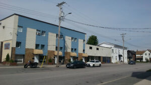 Renovated 2 Bedroom Unit available IMMEDIATELY!