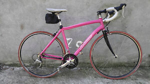 UNIQUE PINK Marin Ravenna Road Bike (for medium to tall people)