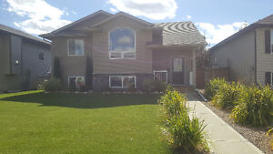 Home for rent in Lacombe!!