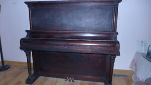 Heintzman upright piano,very good shape