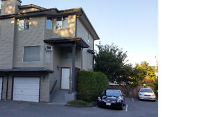 1660ft2 - 4 rooms(3Bedrooms +1 family room) for rent