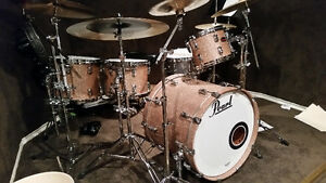 Pearl Reference Series 5-Piece Drum Set with Tom Mounts!