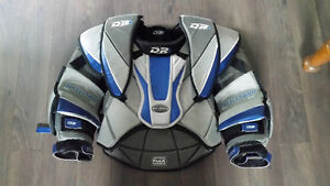 D&R goalie chest protector senior small