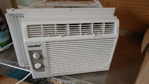 Air Conditioner unit like new
