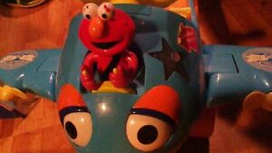 FLY WITH ELMO INTERACTIVE RIDE ON TOY