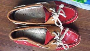 Red Sperry flats 61/2