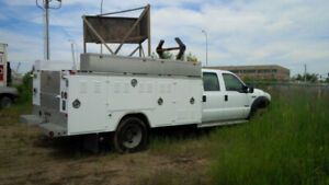 2005 Ford F-450, V8 6.0L turbo diesel with Service Body