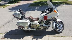 1984 Yamaha XVZ12DL Venture Royal ( loaded, Pearl Piant ) Kitchener / Waterloo Kitchener Area image 2