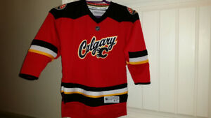 Calgary flames jersey size 4-7