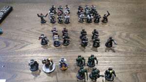 Dungeons and dragons miniatures has warhammer space marine lot