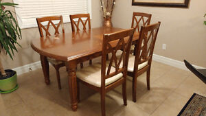 Dinner Table with 6 chairs, good conditions from Leons Kitchener / Waterloo Kitchener Area image 1