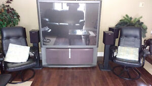 61' SONY HD TV in excellent condition