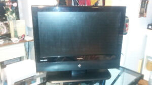 26 inch ViewSonic LCD Flat Screen with Remote
