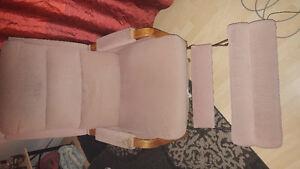 Vieux fauteuil elran tres confortable rose beige style saumon