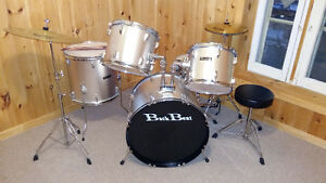 Back beat Starter Drumkit London Ontario image 1