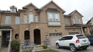 3 +1 Bedrooms Townhome for Rent in Thornhill Woods