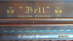 piano antique bell organ Saint-Hyacinthe Québec image 1
