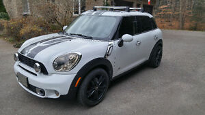 2012 MINI Cooper S Countryman All4 LOADED, VERY LOW KM